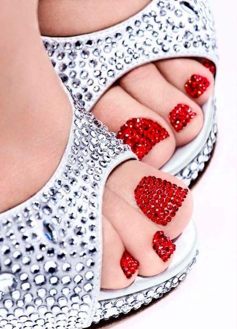 winter-nails-cute-designs-red-glitter