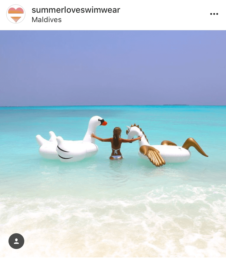 Maldives floatie photo ideas