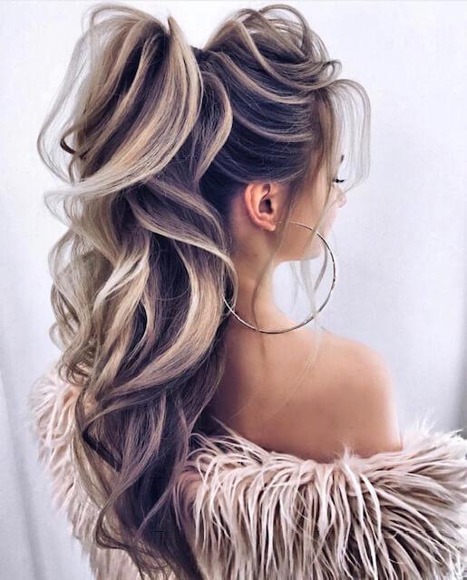 blonde hairstyle ponytail