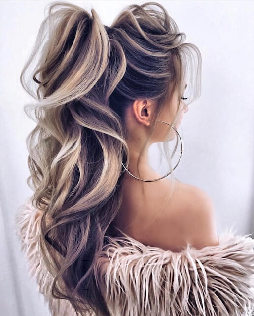 blonde hairstyle ponytail