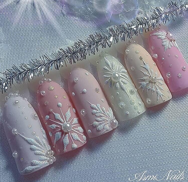 snow nails christmas winter manicure pastel