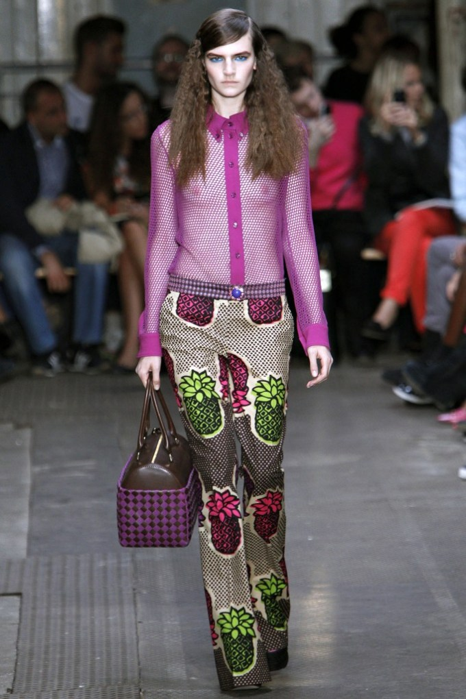 Moschino Cheap and Chic Spring 2013 Ready To Wear 4