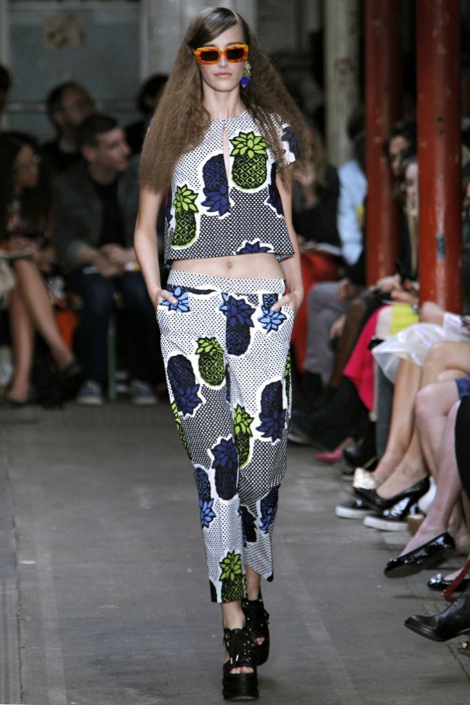 Moschino Cheap and Chic Spring 2013 Ready To Wear 7