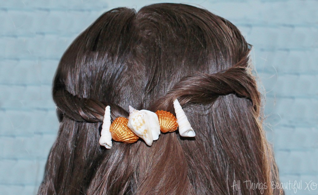 Check out my tousled, beachy hairstyle + DIY seashell hair accessories with John Frieda® Beach Blonde™ Sea Waves™ Sea Salt Spray! on All Things Beautiful XO   www.allthingsbeautifulxo.com