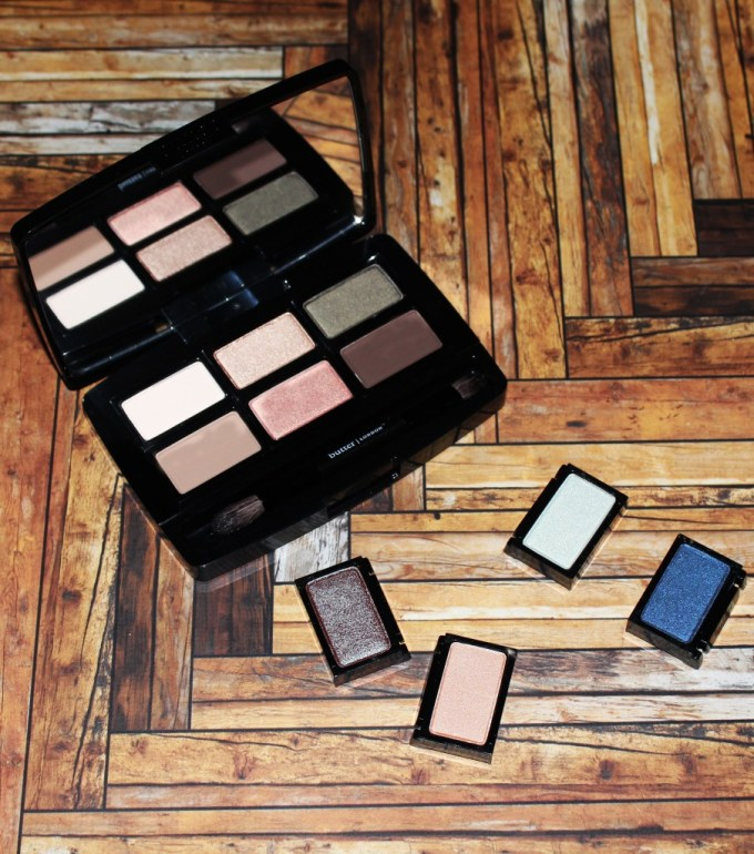 Swatches & review of the Butter London Shadow Clutch Palette in Natural Charm + the Interchangeable Duos in Fancy Flutter & Moody Blues. Customize it, primer infused, seriously pigmented & shadows that blend like a dream! Check it out on All Things Beautiful XO