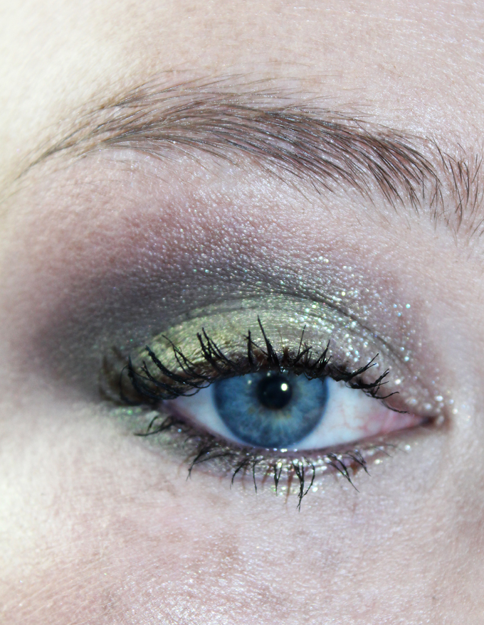 Swatches, Review, & Eye Look using the Urban Decay Liquid Moondust Eyeshadows including the shades Solstice, Vega, Spacetime, Zodiac, Zap, Recharged, Chem Trail, & Magnetic on All Things Beautiful XO