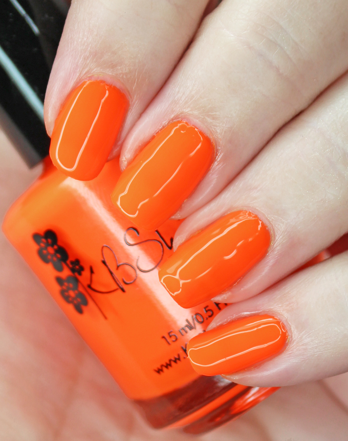 KBShimmer Nail Polish in the shade Please Don't Glow Girl Swatches & review of the KBShimmer All the Bright Moves 90's Neon Collection on All Things Beautiful XO