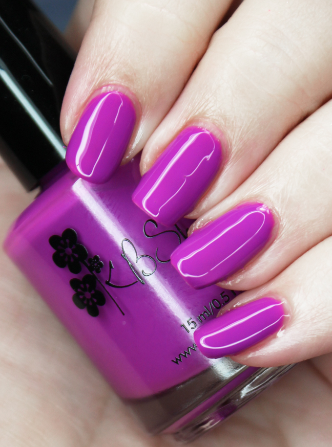 KBShimmer Nail Polish in the shade Let's Be Frank Swatches & review of the KBShimmer All the Bright Moves 90's Neon Collection on All Things Beautiful XO