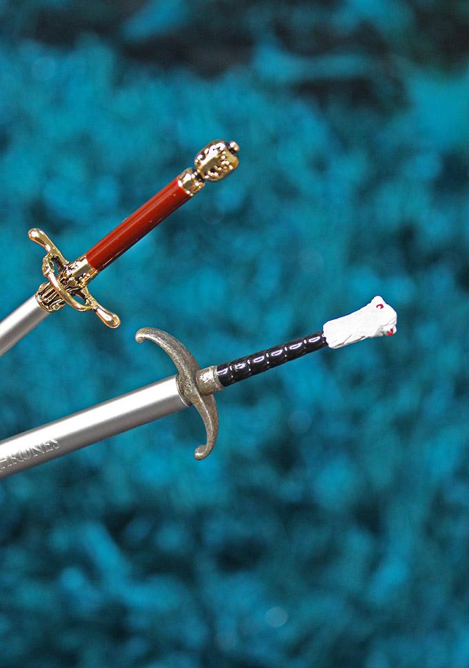 Urban Decay X Game of Thrones Jon Snow's Longclaw & Arya Stark's Needle Sword Eyeshadow Brushes
