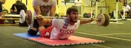 apti-aukhadov-lying-back-extensions-adam-maligov