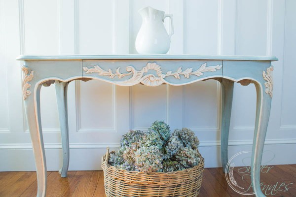 French-Console-600x400
