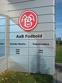 En vägg som skall uppdateras då AaB vann bade ligan och cupen under förra säsongen