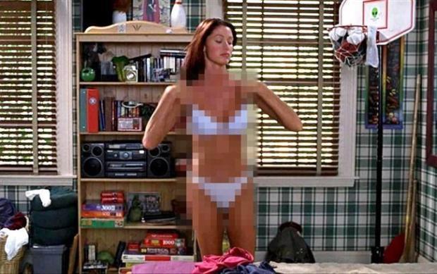 Shannon Elizabeth in 'American Pie'