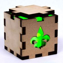 Fleur de Lys Lit Green Tea Light