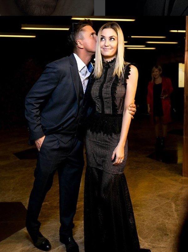 Павел Прилучный и его жена Агата Муцениеце, фото свадьбы ...