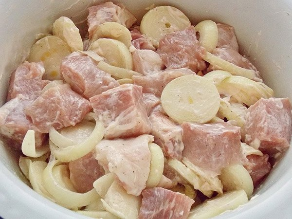 Маринад для шашлыка из свинины с уксусом и луком, лимоном ...