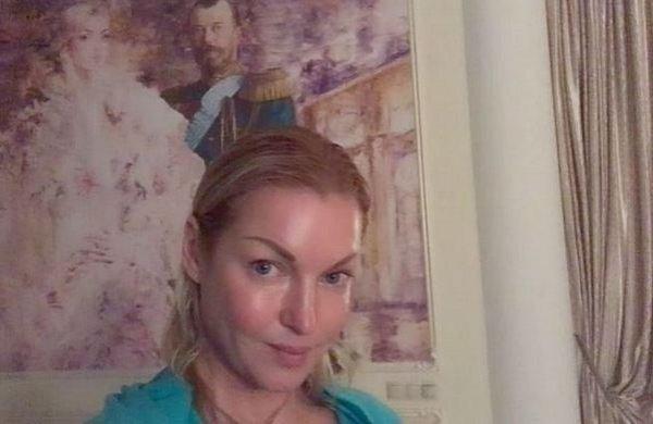 Анастасия Волочкова в туалете снова вызвала бурные ...