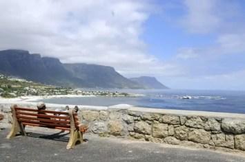 Observando a luxuosa e exclusiva área de Clifton, Cidade do Cabo