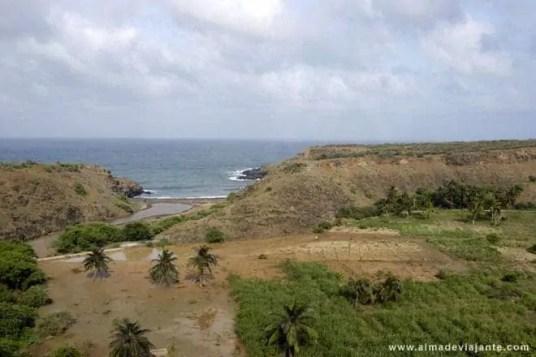Paisagem na costa leste da ilha de Santiago, próximo da Calheta de São Miguel, Cabo Verde