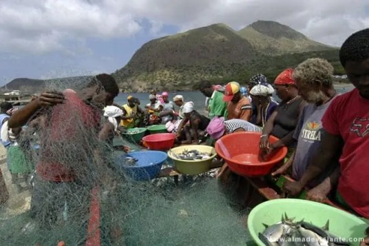 Barco de pesca no Tarrafal