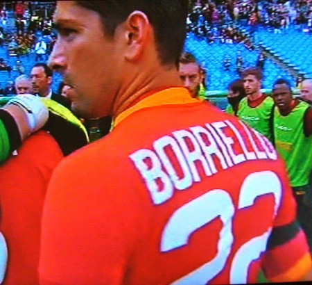 Borriello lascia la maglia della AS Roma
