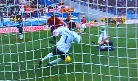 Borini laniato da Juan segna il 3-0