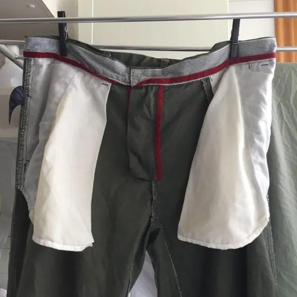 Como pendurar roupas no varal.