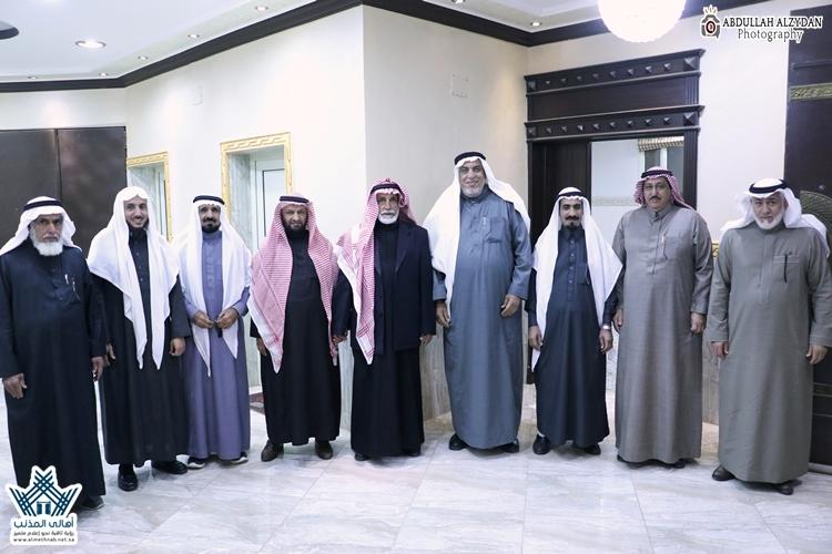""""""" العبود"""" يستضيف أعضاء مجلس منطقة القصيم بمحافظة المذنب"""
