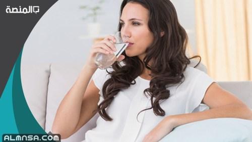 تجربتي مع شرب لترين من الماء يوميا