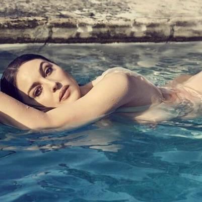 A Sus 51 Monica Bellucci Posa Desnuda Indice Político Noticias