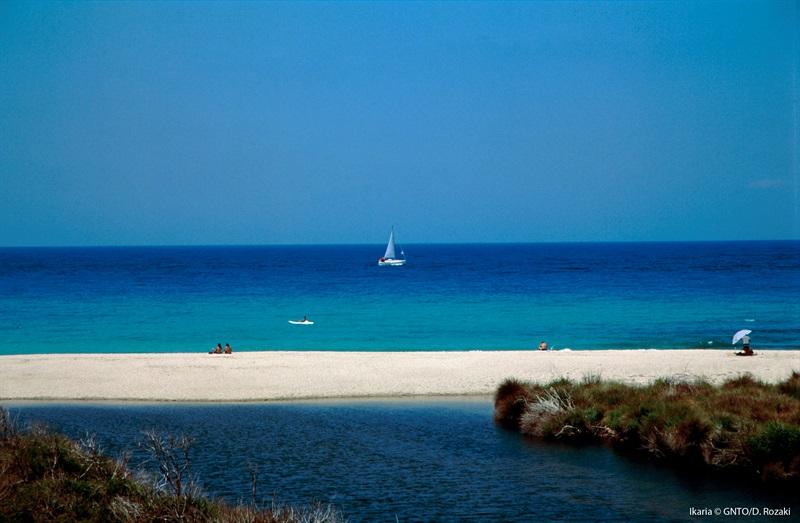 Plajă în insula Ikaria Grecia