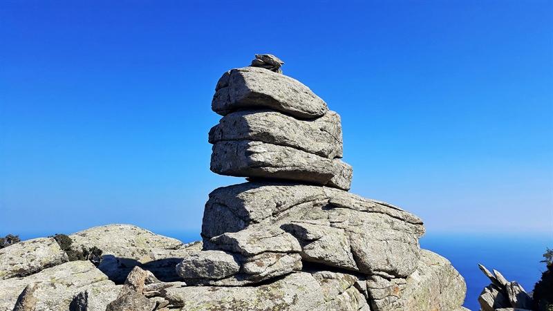Trovant insula Ikaria platoul Erifi