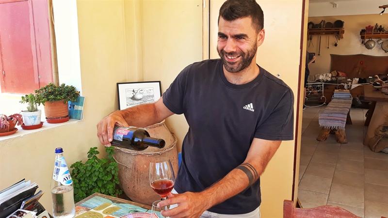 degustare de vin podgoria Afianes Ikaria