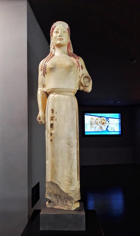 Kori artefact Acropolis-gratis în Atena-expoziție-aeroport