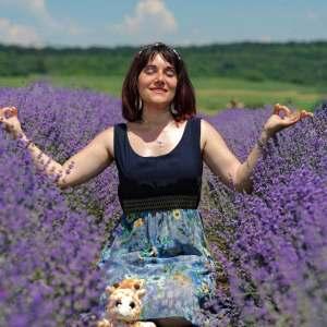 Izabela Miklos blogger