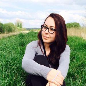 Rox Clapa autoarea blogului Jurnal de Mămică