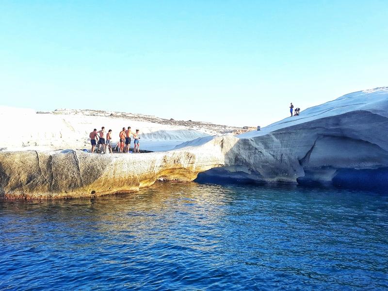 atracții turistice în insula Milos Sarakiniko beach