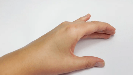 How To Paint Your Nails With Your Left Hand