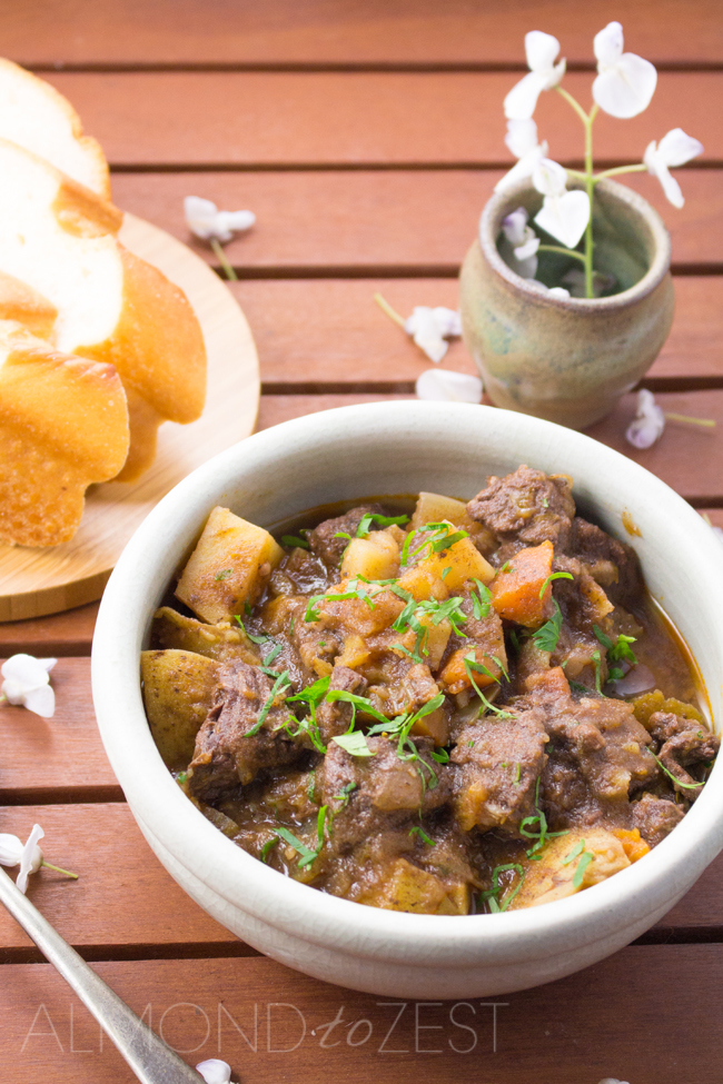 Hearty, cozy and just so easy! A delicious hearty flavor to get you through the cold season! MUST TRY!!