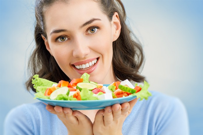 Are you working on your weight loss? Add these MUST EAT healthy foods to your diet if you're trying to lose weight. #healthy #healthyfood #cleaneating