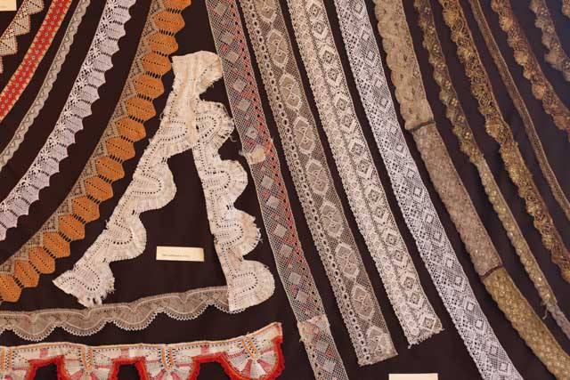 Different kinds of lace