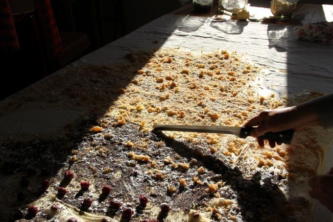Cutting the strudel dough