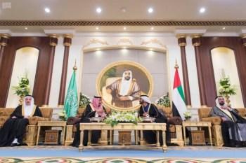 الملك يشرف مأدبة العشاء في الامارات6