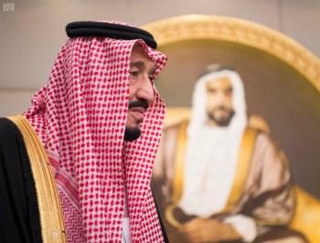 الملك يشرف مأدبة العشاء في الامارات7