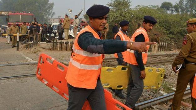 وفاة 10 أشخاص في تحطم طائرة اصطدمت بحائط في #الهند (3)