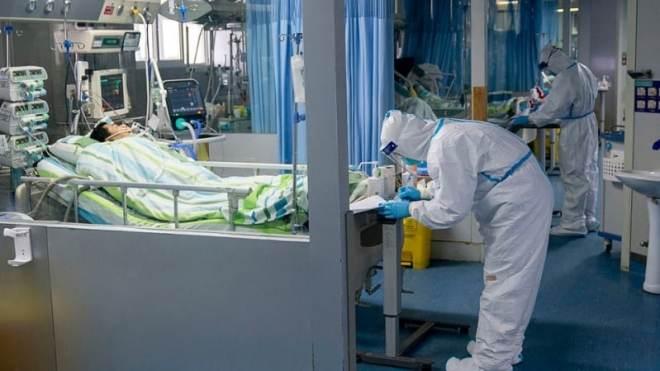رصد 674 حالة كورونا جديدة في الإمارات