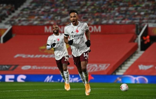 أوباميانج في مباراة مان يونايتد ضد آرسنال