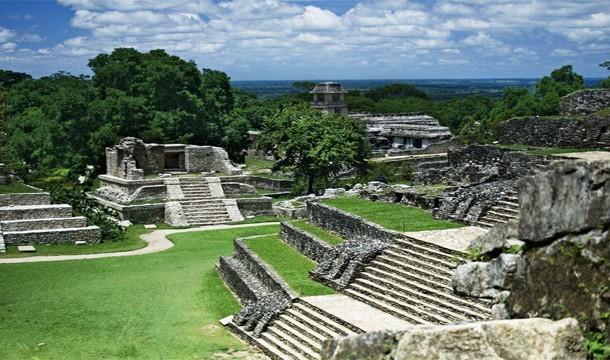 اثار شعوب المايا