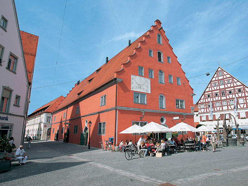 البلدة الالمانية المبنية داخل فتحة نيزك