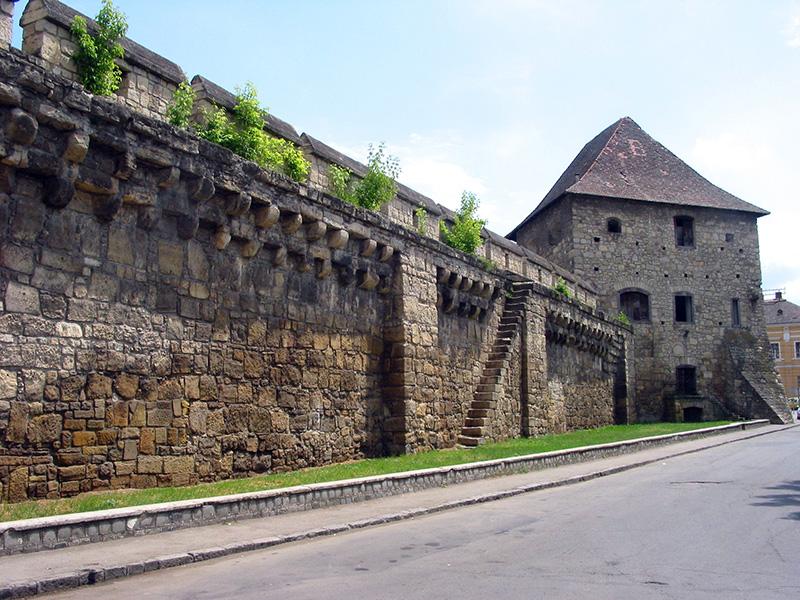 المصلحة وحصن تايلور - أهم المعالم السياحية في مدينة كلوج نابوكا